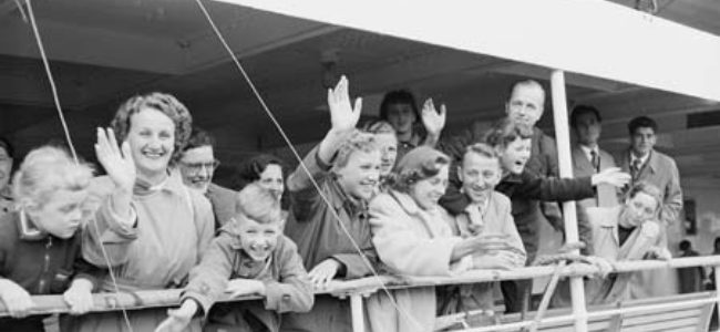 Dutch Migrant 1954 Maria Scholte50000th To Australia Post WW2