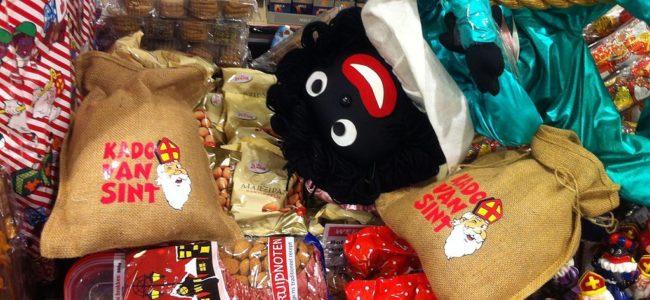 Zwarte Piet Sinterklaas supermarkt Hellevoetsluis