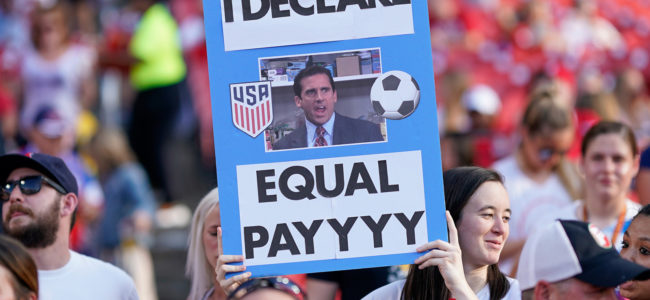 Equal-pay-sign-uswnt